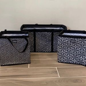 DSW black&white collapsible tote set of 3!